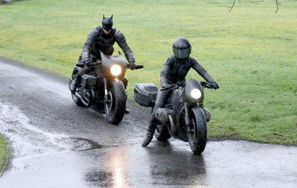 Novas fotos do set de The Batman mostram o uniforme completo do Homem Morcego 5